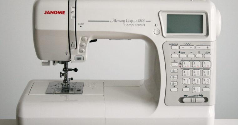 Mon matériel couture #3 – Ma machine à coudre: la Janome Memory Craft 5200 (2014)